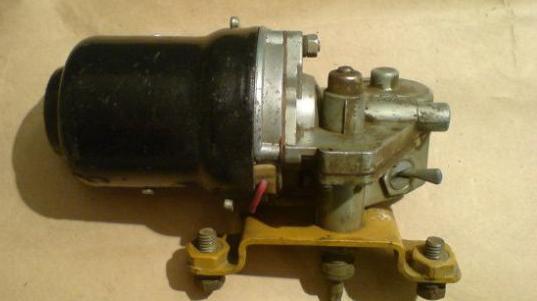 Привод стеклоочистителя СЛ-233В